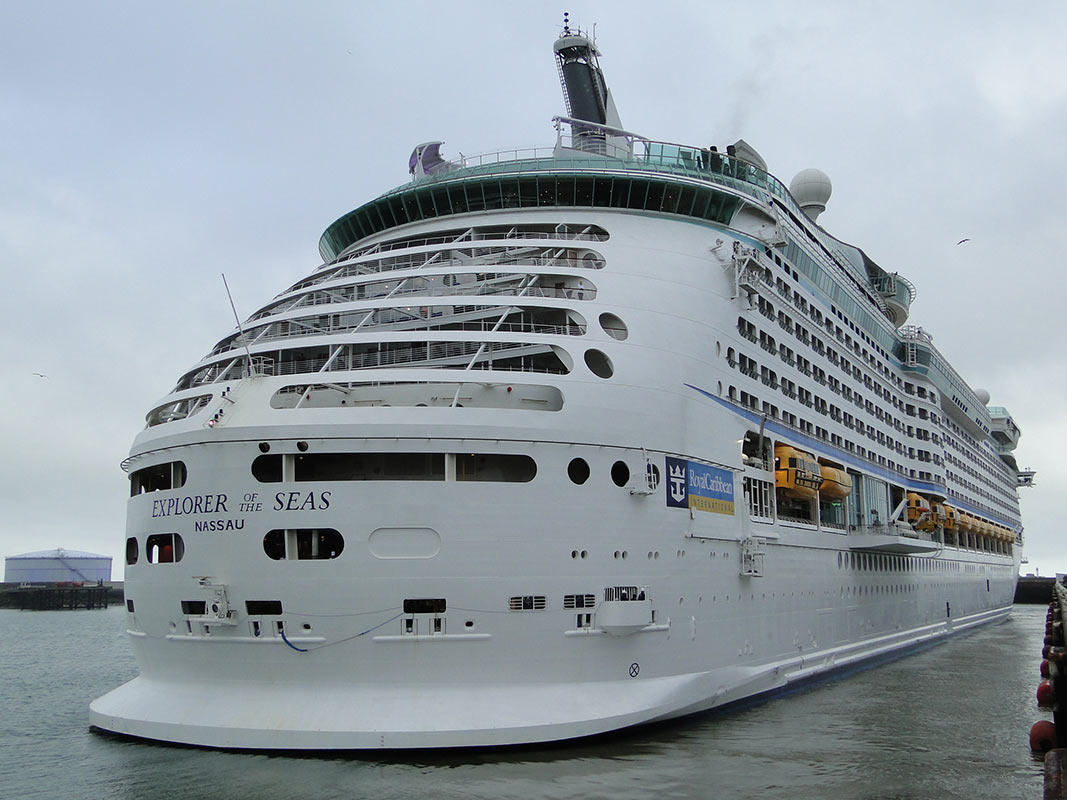 644 Explorer of the seas1