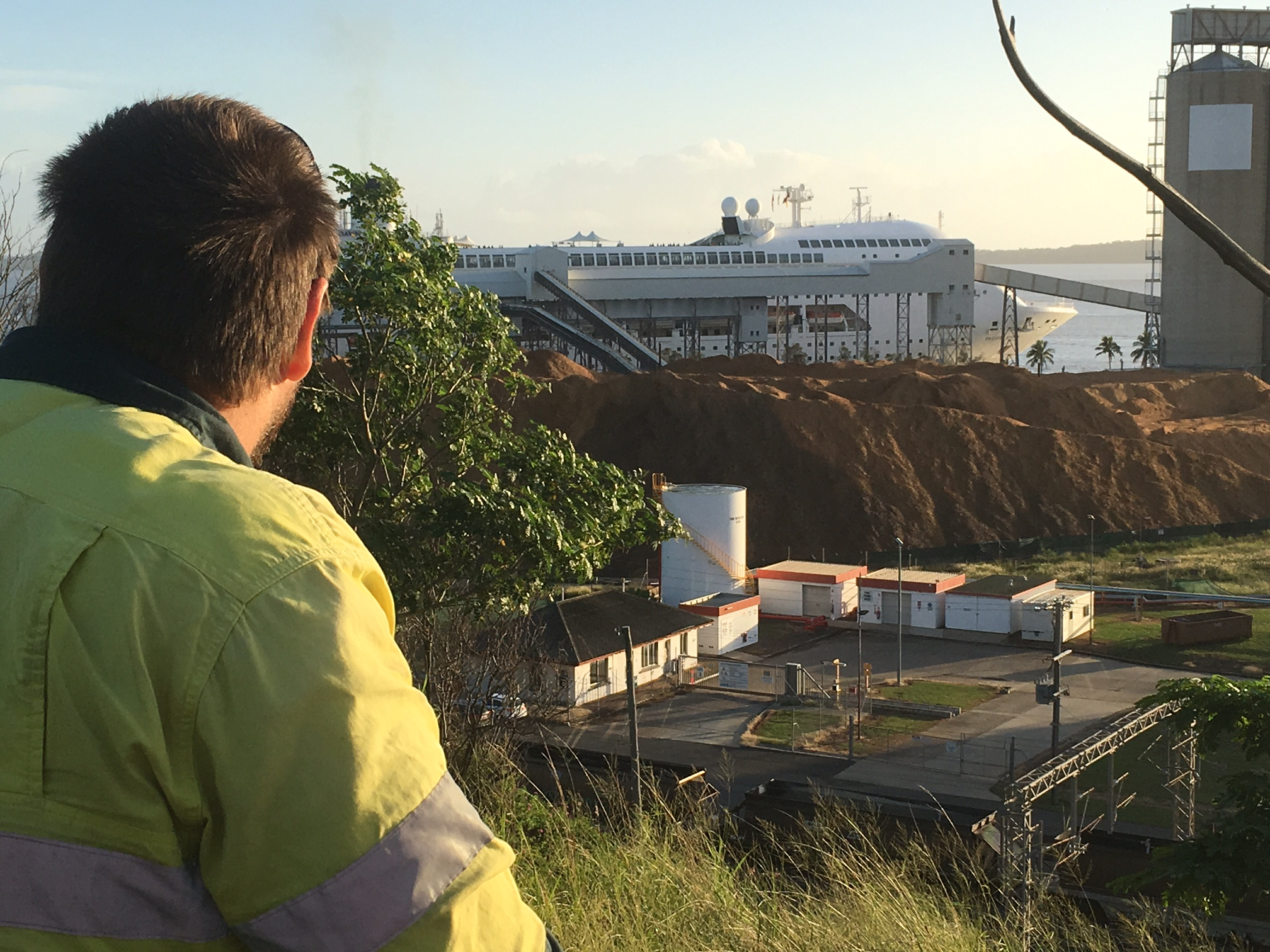 Locals greet Pacific Dawn on maiden visit to Gladstone