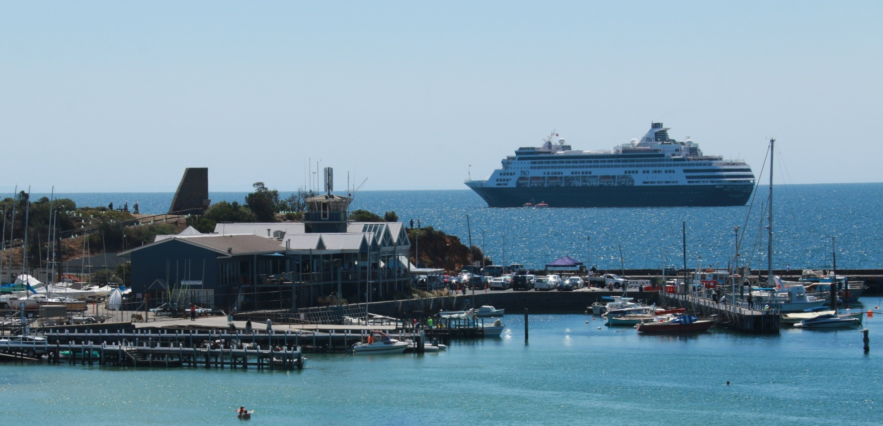 Pacific Eden Anchors In Mornington Peninsula