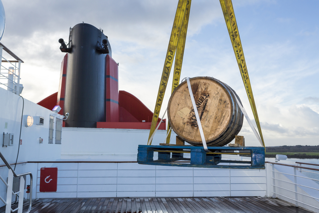 Queen Mary 2 Takes Delivery of a 300 litre Jack Daniels Barrel