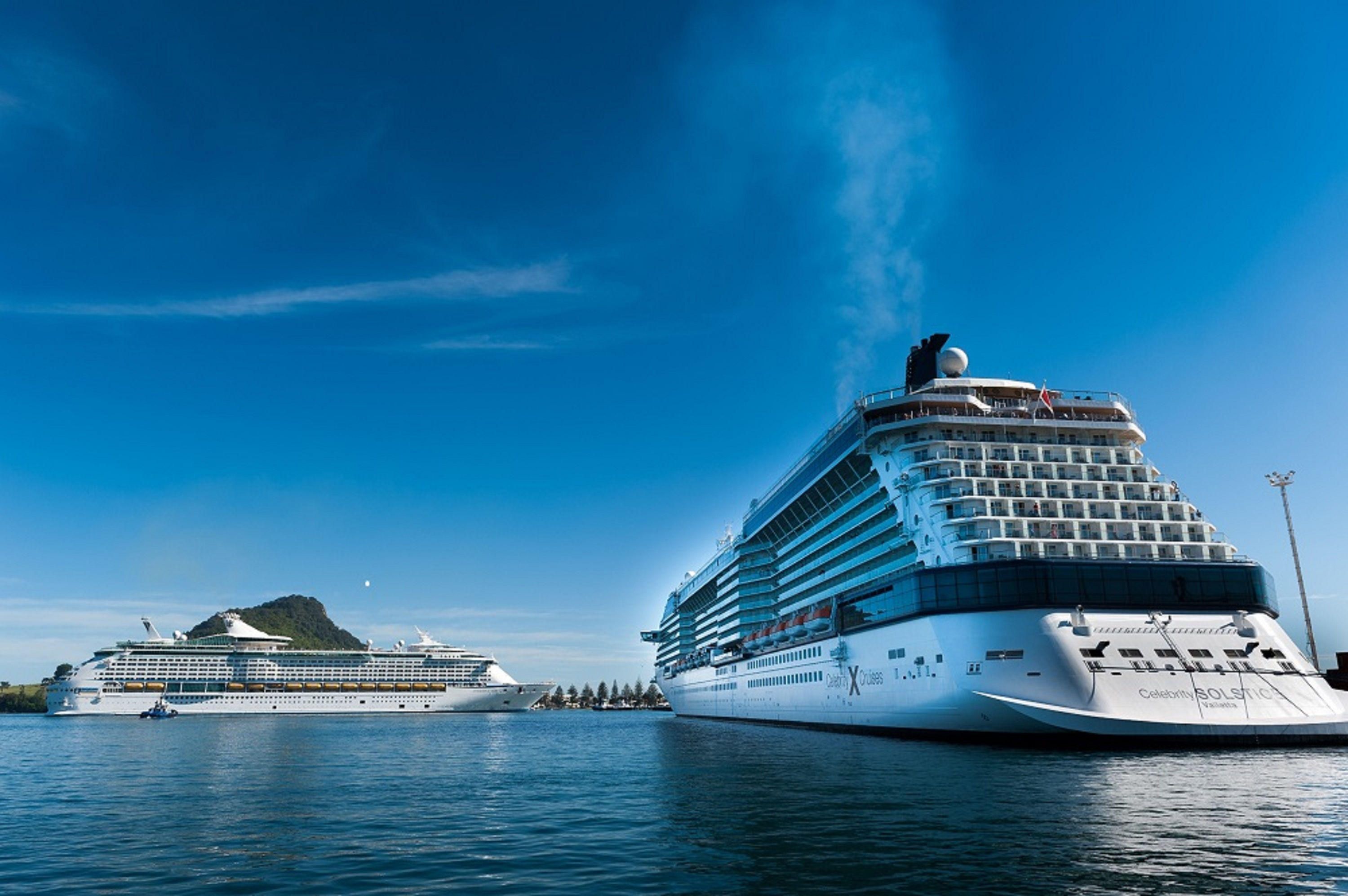 THE TWO LARGEST CRUISE SHIPS BASED IN AUSTRALIA MEET FOR